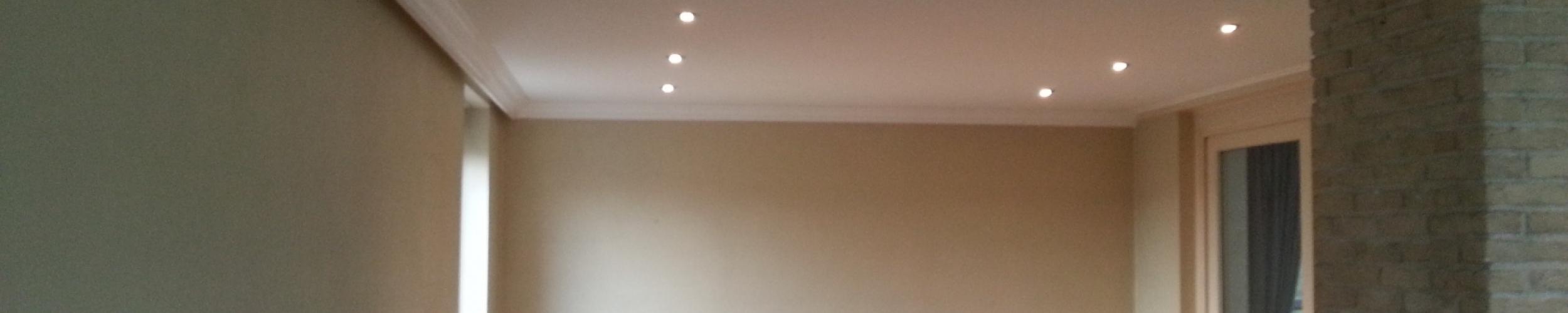 woonkamer spanplafond realisatie plafotex LED inbouwspots sierlijst
